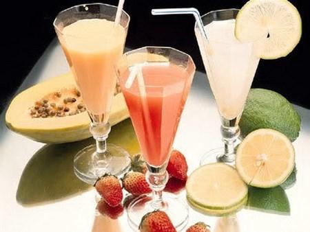 Nước trái cây vào sữa sẽ dẫn đến khó tiêu và khó hấp thụ